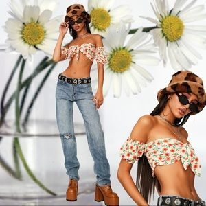TOTALLY WORTH IT FLORAL OFF SHOULDER TOP NWT